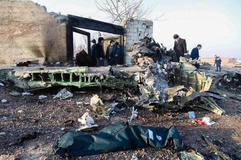 Bị nghi ngờ bắn hạ máy bay Ukraine: Iran mời Mỹ tham gia điều tra - Ảnh 1.