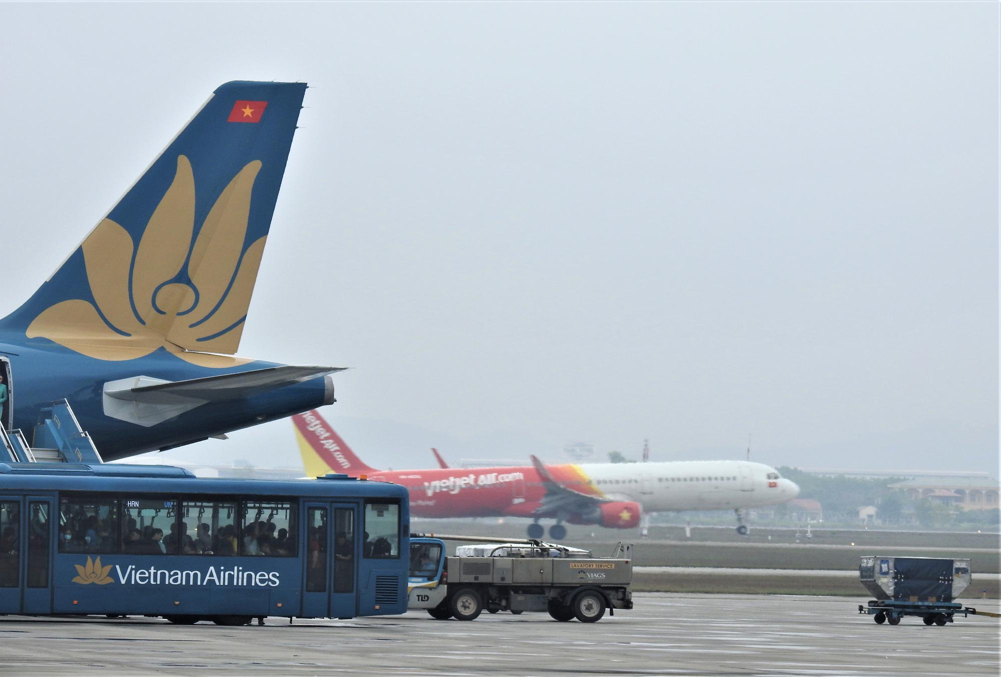 Hãng hàng không Việt Nam thiệt hại 10.000 tỉ đồng doanh thu vì dịch virus corona (covid-19) - Ảnh 1.