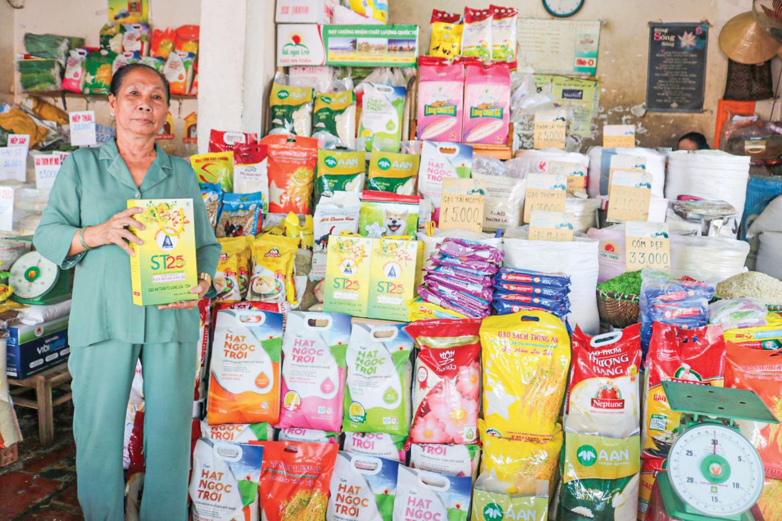 Cận Tết, sức mua các loại gạo thơm, ngon tăng mạnh - Ảnh 1.