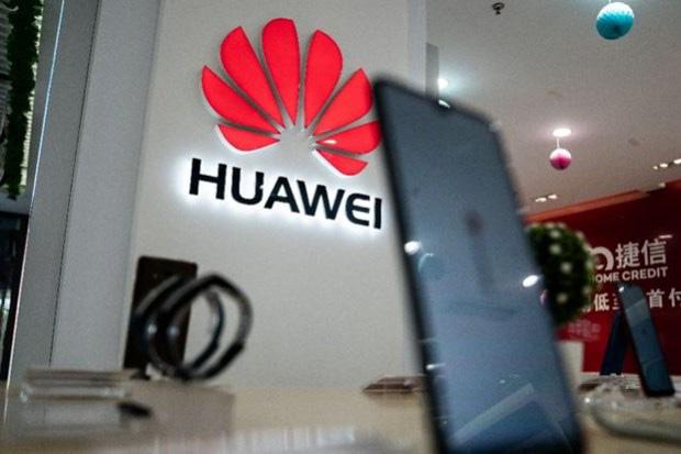 Bất chấp bị Mỹ cấm vận, điện thoại Huawei vẫn bán rất chạy - Ảnh 1.