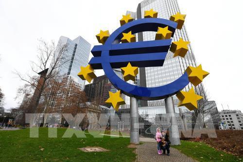 Reuters: Sự giảm tốc của kinh tế Eurozone có thể đã chạm đáy - Ảnh 1.