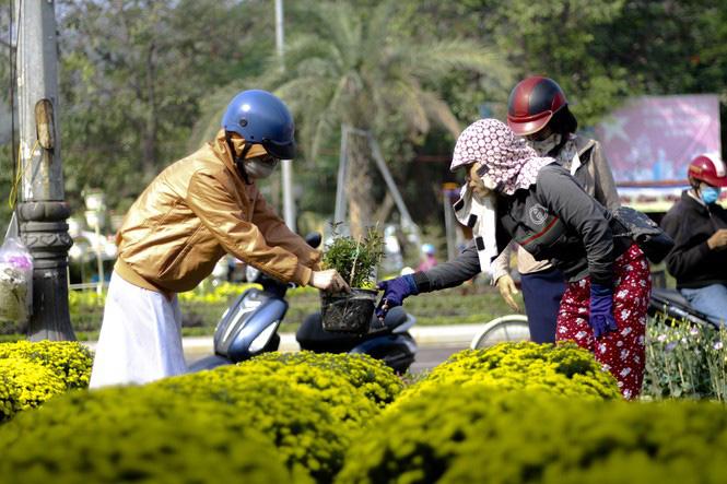 Quất bonsai tạo hình chuột khuấy động chợ hoa Tết - Ảnh 5.