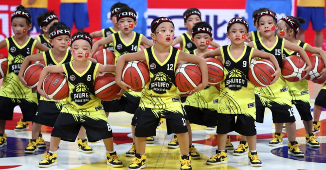 Số lượng người trẻ giảm đáng kể, kinh tế Trung Quốc 'gặp khó' - Ảnh 1.