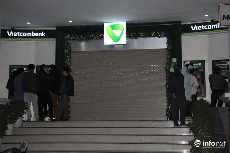 Không còn cảnh xếp hàng dài, ATM ngày giáp Tết vắng tanh - Ảnh 5.