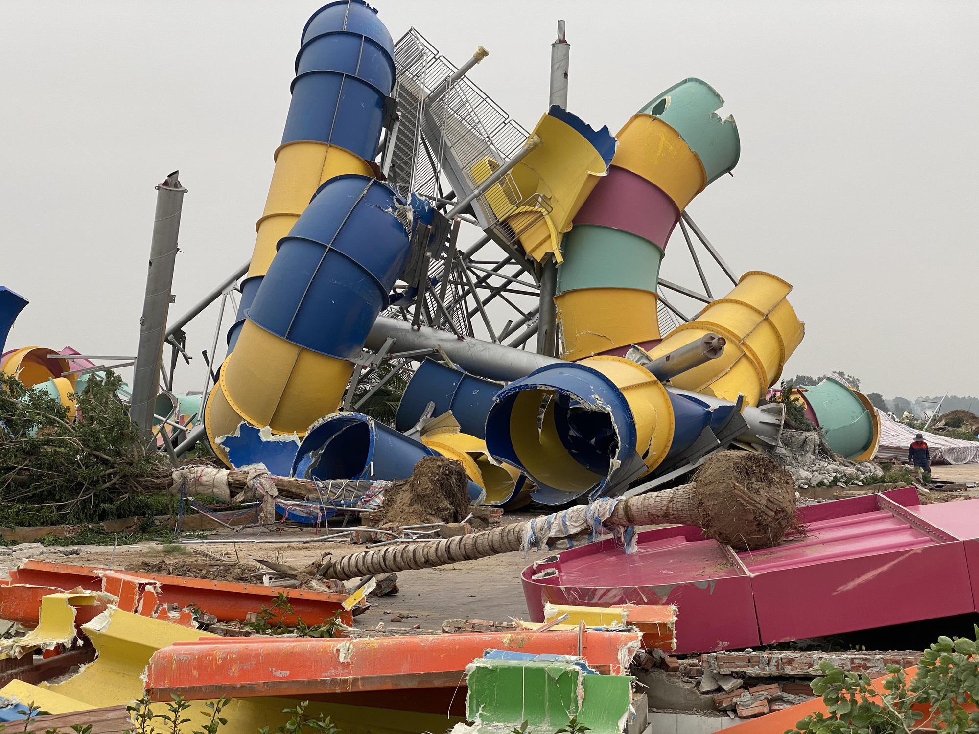 Hà Nội: Công viên hàng trăm tỷ đồng 'chớp mắt' biến thành đống đổ nát - Ảnh 3.