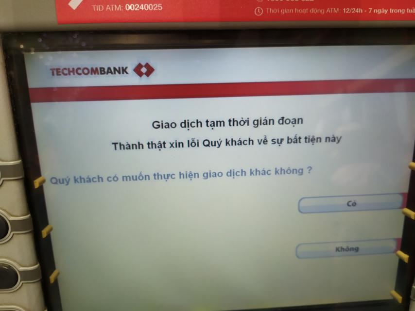 Nam Định: Nhiều cây ATM thất thủ vì lượng người rút tiền quá lớn - Ảnh 4.
