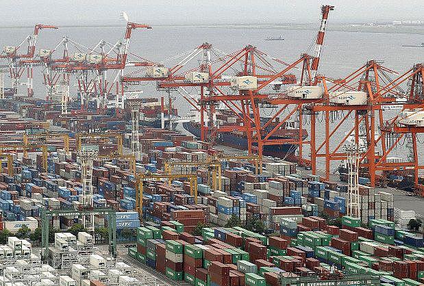Nhật Bản thâm hụt thương mại năm thứ hai liên tiếp - Ảnh 1.