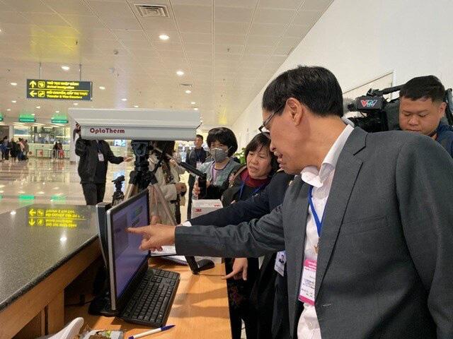 Cục Hàng không yêu cầu huỷ toàn bộ cấp phép bay đi/đến Vũ Hán, Trung Quốc - Ảnh 1.