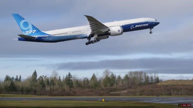 Mẫu máy bay Boeing 777X bay thử nghiệm chuyến đầu tiên - Ảnh 1.