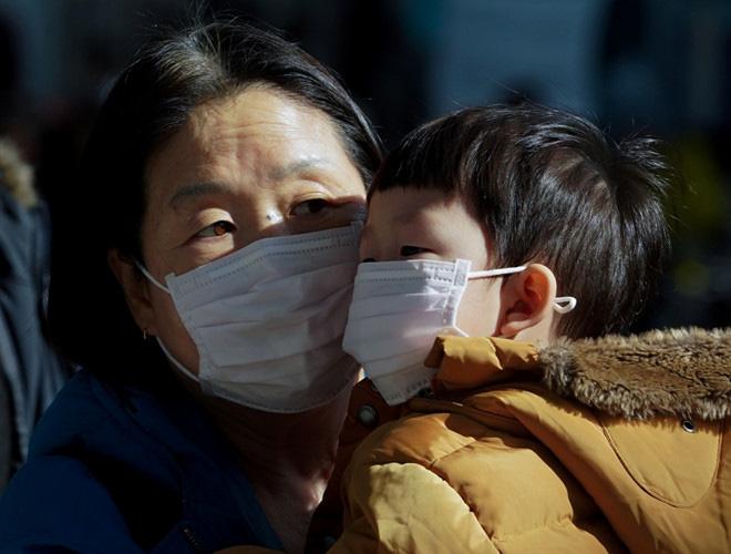 Chuyên gia ước tính 100.000 người có thể nhiễm vi rút gây viêm phổi Vũ Hán - Ảnh 2.