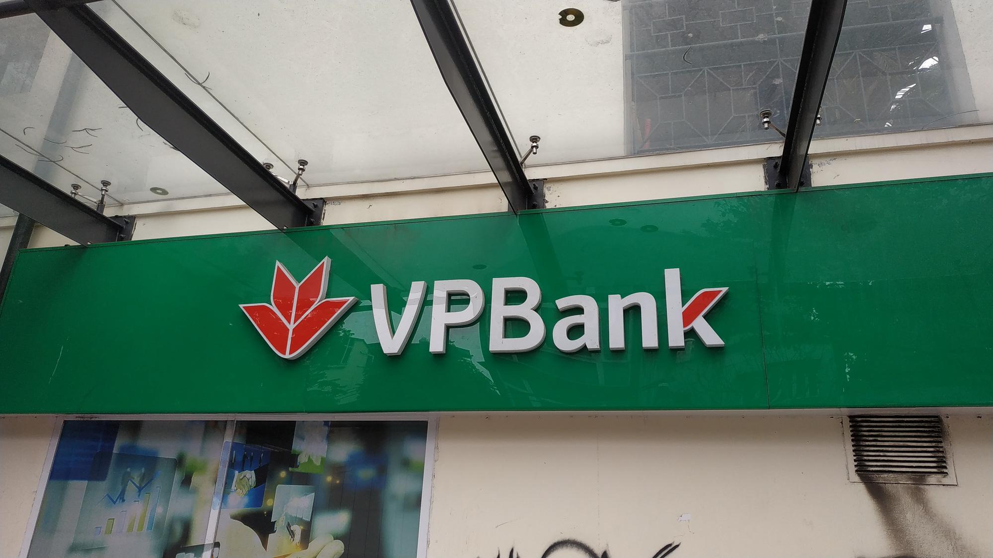 Liên tục trao tay khủng cổ phiếu GAB tại vùng đỉnh, VPB được thỏa thuận hơn 400 tỉ đồng phiên giảm sàn đầu tuần - Ảnh 1.