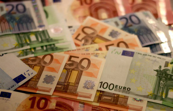 Tỷ giá đồng Euro hôm nay 30/1: Giá Euro ngân hàng giảm mạnh trong ngày giao dịch đầu năm Canh Tý  - Ảnh 1.