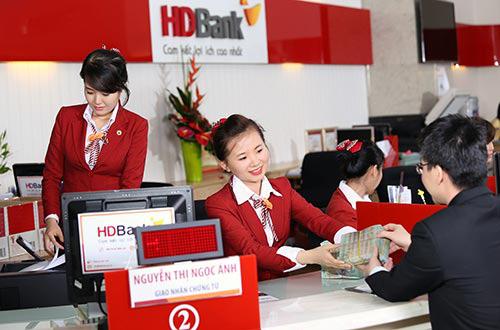 Ngân hàng đầu tiên ghi nhận sụt giảm tiền gửi khách hàng trong năm 2019 - Ảnh 1.