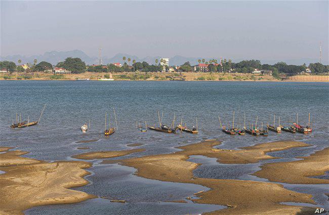 Thủy điện Trung Quốc 'siết nước', hạ lưu sông Mêkông sẽ hạn nặng hơn - Ảnh 1.