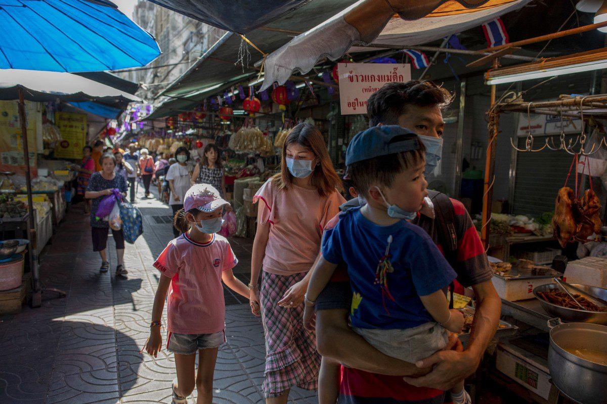 Liệu nền kinh tế châu Á có sống sót khỏi dịch virus corona? - Ảnh 1.