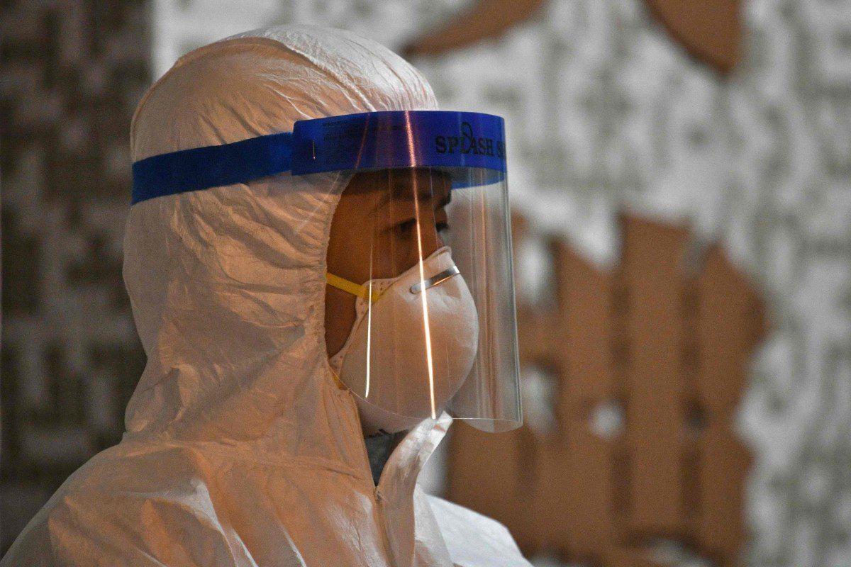 Cập nhật tình hình dịch virus corona ngày 11/2: Số người chết vượt 1.000, số ca nhiễm tại Trung Quốc giảm đáng kể - Ảnh 1.