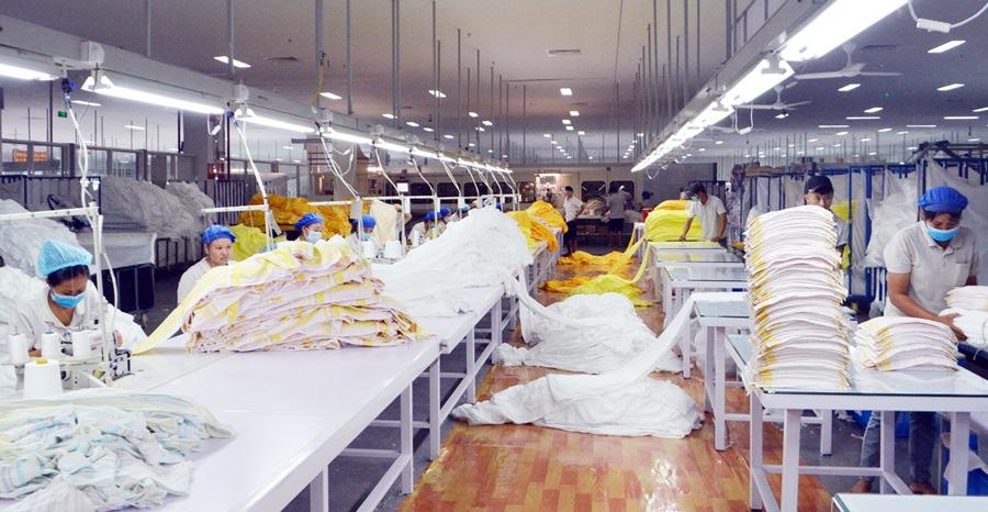 DN sản xuất tại các khu công nghiệp ở Quảng Ninh tìm cách vượt bão dịch corona - Ảnh 1.