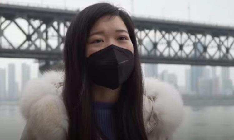 Y tá Vũ Hán tự chữa viêm phổi trong 11 ngày - Ảnh 1.