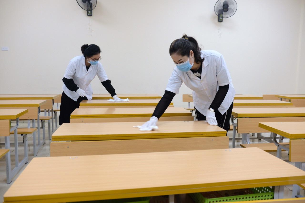 Vì sao Bộ GD-ĐT xin ý kiến Thủ tướng cho học sinh nghỉ học? - Ảnh 1.