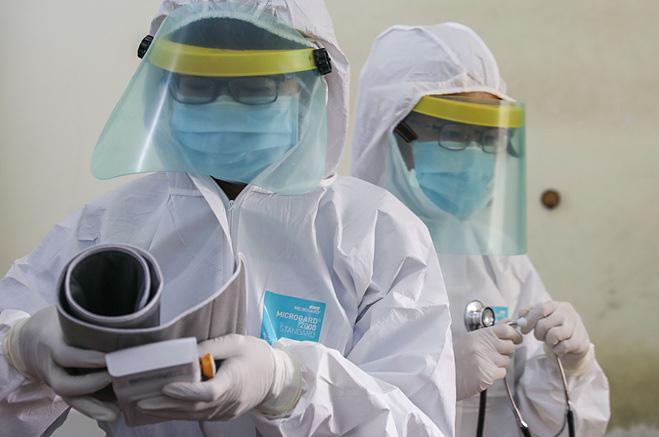 Cập nhật tình hình dịch virus corona (covid-19) ngày 17/2: Trung Quốc thêm hơn 2.000 người nhiễm mới, số ca tử vong giảm - Ảnh 1.