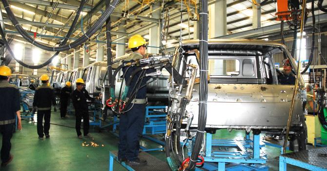 Bất ngờ cạn nguồn, nhiều nhà máy ô tô Việt lo phải ngừng sản xuất - Ảnh 1.