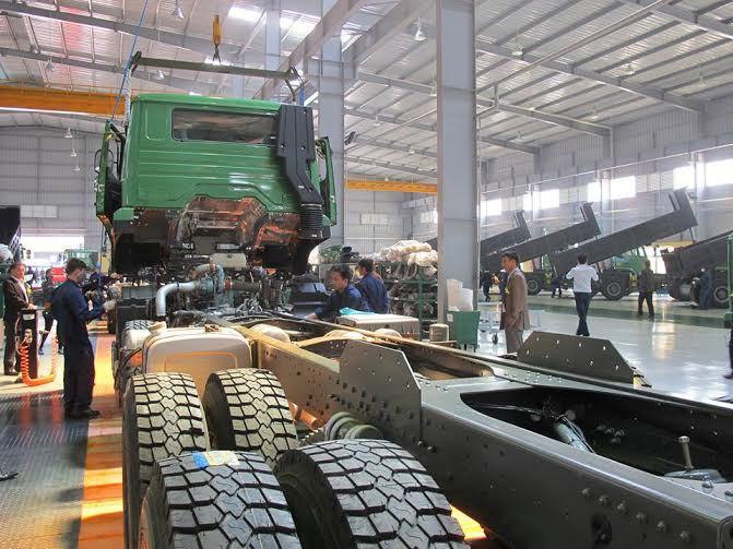 Bất ngờ cạn nguồn, nhiều nhà máy ô tô Việt lo phải ngừng sản xuất - Ảnh 2.