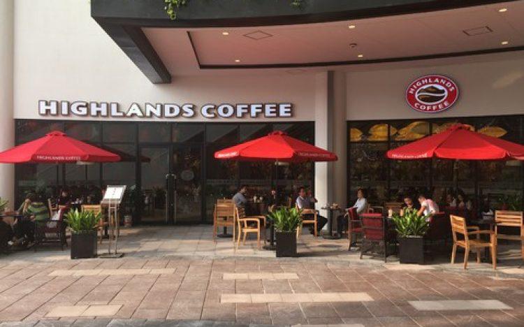 Highlands Coffee bị tố khinh thường người khuyết tật, đuổi khách khi nghi là bán vé số - Ảnh 2.