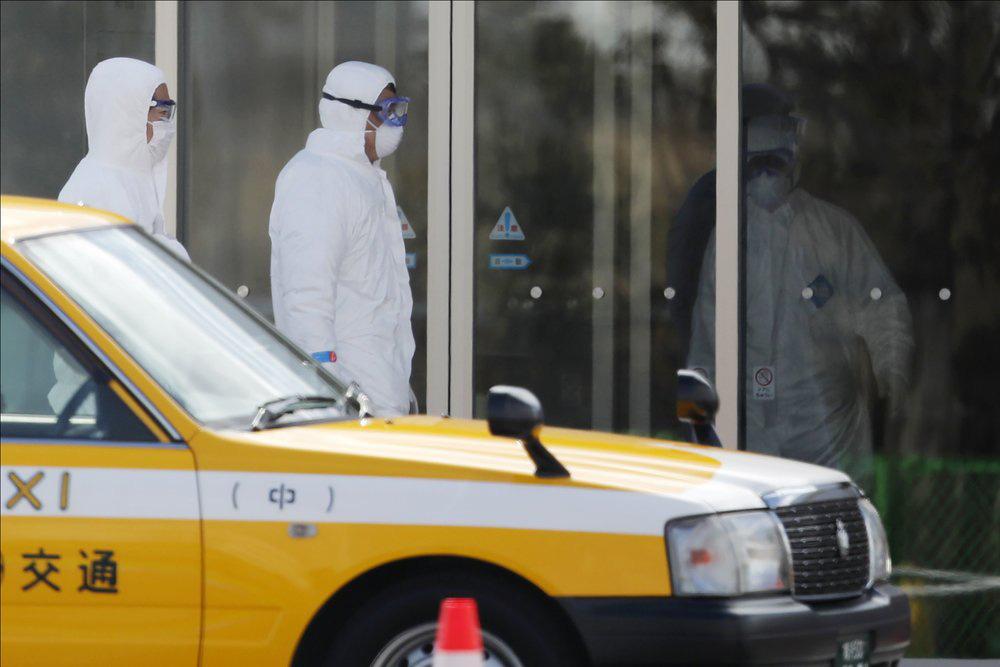 Thanh tra y tế Vũ Hán đến hang cùng ngõ hẻm tìm ca nhiễm virus corona - Ảnh 9.