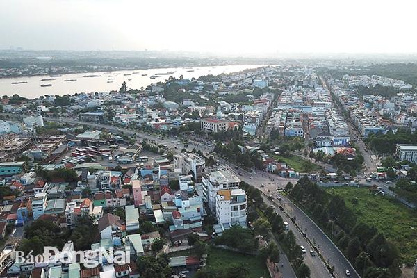 Nhà ống 'chèn ép' không gian đô thị Biên Hòa - Ảnh 1.
