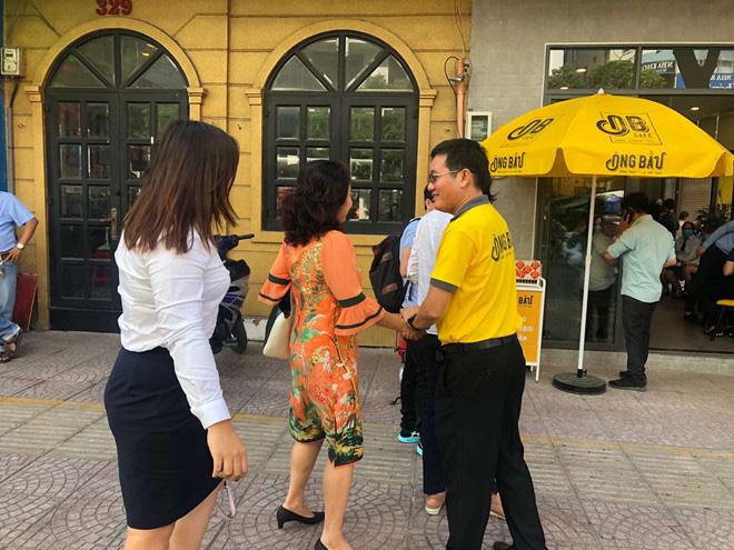 Cà phê Ông Bầu chạy thử, bầu Thắng trực tiếp bán cà phê - Ảnh 3.