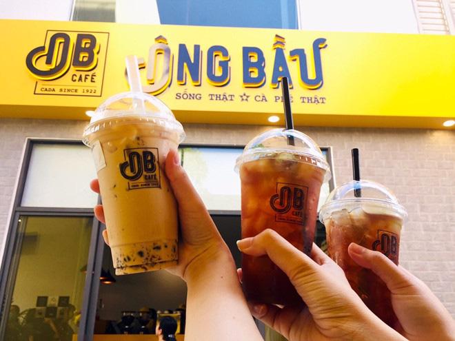 Cà phê Ông Bầu chạy thử, bầu Thắng trực tiếp bán cà phê - Ảnh 4.