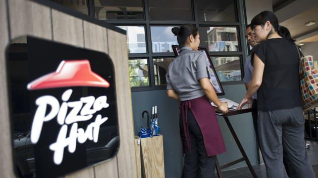 Đơn vị vận hành Pizza Hut tính chuyện phá sản - Ảnh 1.