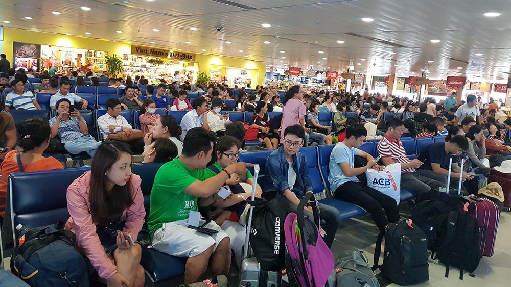 Không qui hoạch nhà ga lưỡng dụng trong sân bay Tân Sơn Nhất - Ảnh 1.