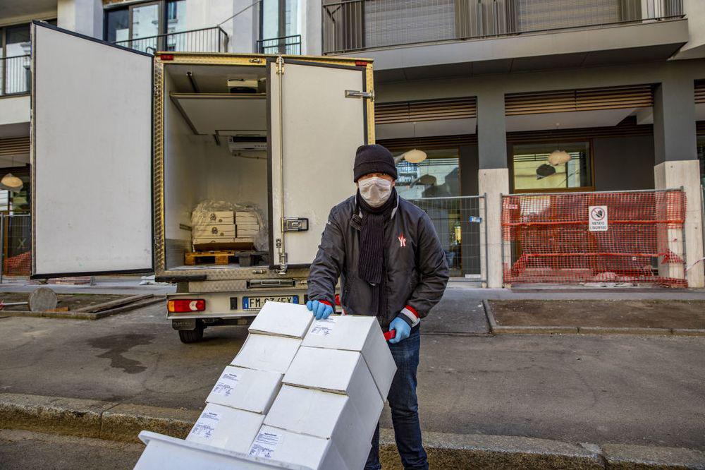 Dịch virus corona có thể phá hủy chuỗi cung ứng toàn cầu nhanh đến mức nào? - Ảnh 1.