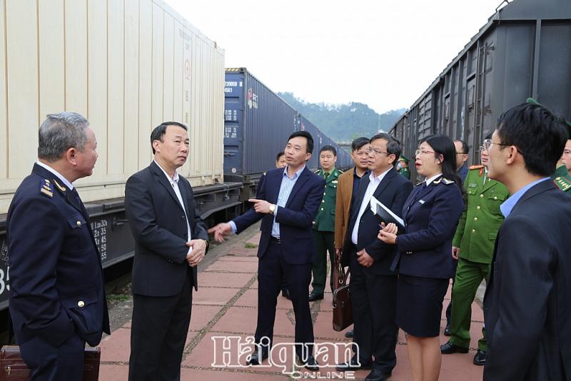 Quyết liệt tạo điều kiện thông quan hàng nông sản qua ga Đồng Đăng - Ảnh 2.