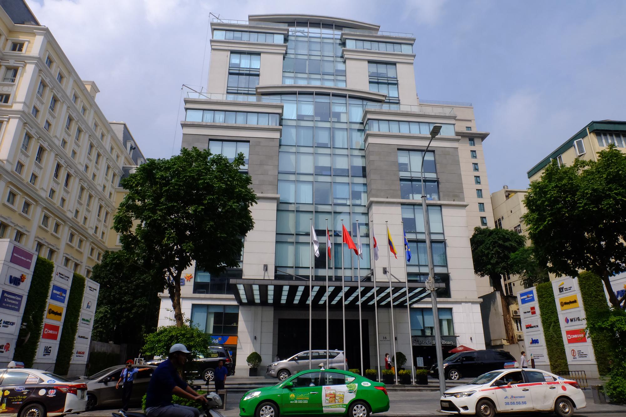 Những tòa nhà cho thuê văn phòng hái ra tiền ở Hà Nội - Ảnh 8.