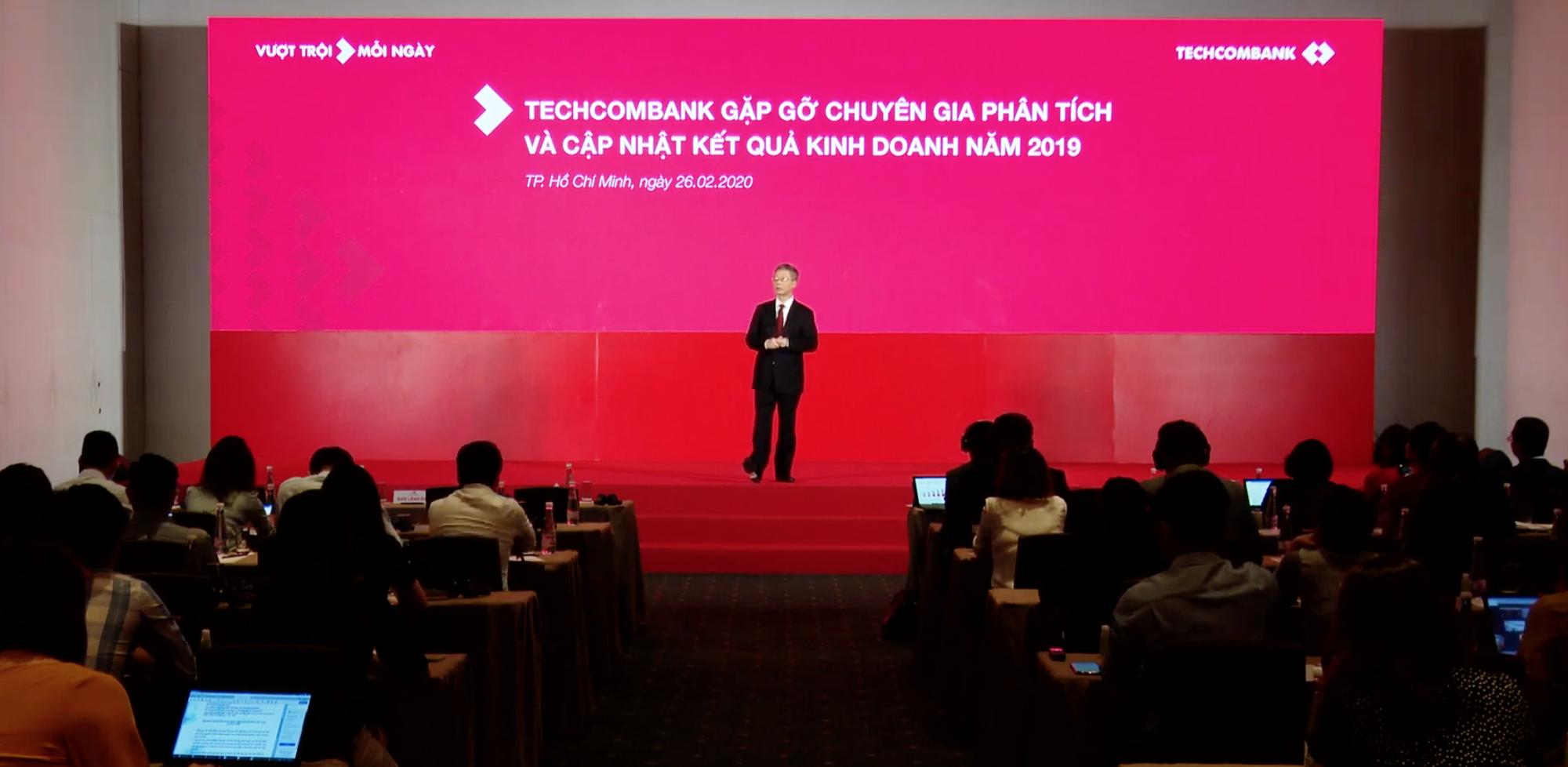 Ông Nguyễn Lê Quốc Anh rời Techcombank, chiến lược kinh doanh của ngân hàng vẫn được đảm bảo - Ảnh 2.
