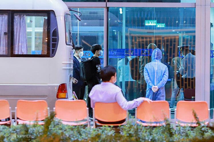Đà Nẵng giải thích điều kiện cách li nhóm khách Hàn Quốc - Ảnh 1.