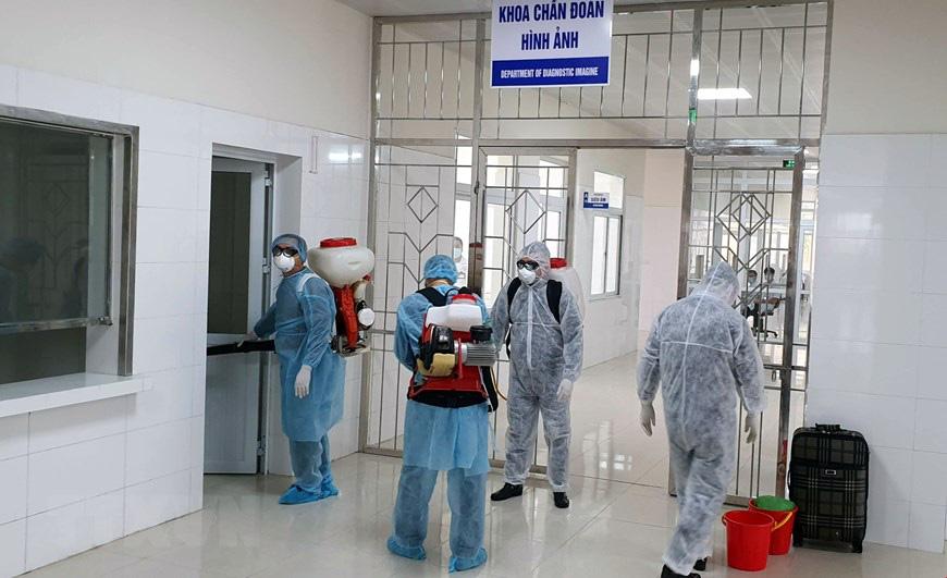 Bên trong bệnh viện dã chiến cách li đặc biệt vừa hoàn thành tại Móng Cái giữa mùa dịch corona - Ảnh 2.