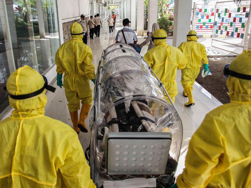 Sửa đổi phương pháp thống kê, tỉnh Hồ Bắc ghi nhận thêm gần 15.000 ca nhiễm virus corona mới trong ngày 12/2 - Ảnh 1.