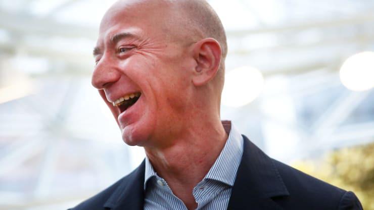 Jeff Bezos tiếp tục bán cổ phiếu Amazon, thu về 1,84 tỉ USD - Ảnh 1.
