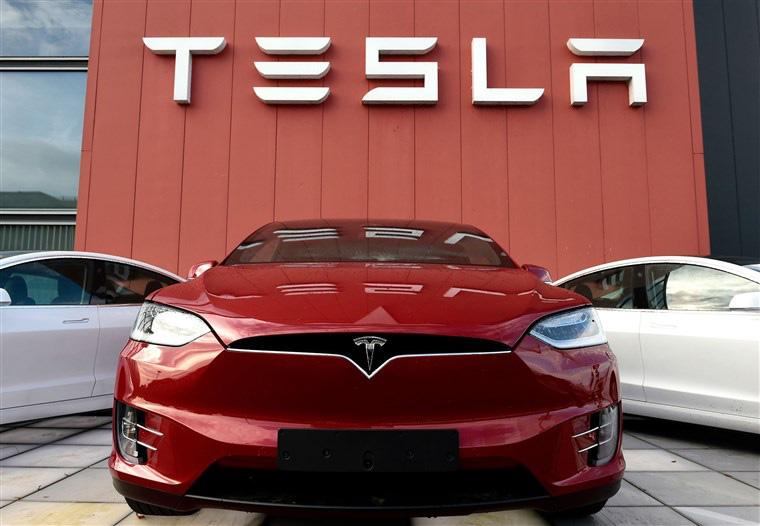 Với đà tăng phi mã của cổ phiếu, giá trị vốn hóa của Tesla vượt tổng giá trị hàng loạt hãng xe hơi nổi tiếng - Ảnh 1.