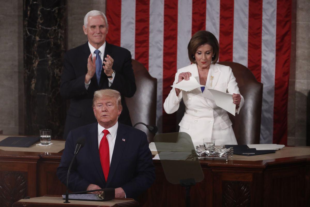 Dù luận tội, xé bài phát biểu, công kích lẫn nhau, Tổng thống Trump và Chủ tịch Hạ viện Pelosi vẫn đồng lòng tẩy chay thiết bị viễn thông Trung Quốc - Ảnh 2.