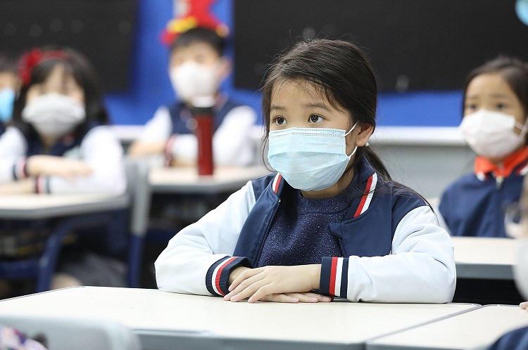Hà Nội cho học sinh nghỉ thêm một tuần - Ảnh 1.