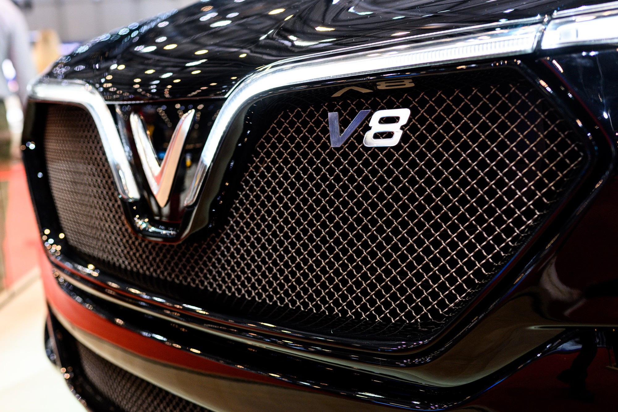Năm 2020, bên cạnh việc ra mắt ô tô VinFast Lux V8, Vingroup muốn sản xuất điện thoại 5G và tung thương hiệu khách sạn 3 sao VinHoliday - Ảnh 1.
