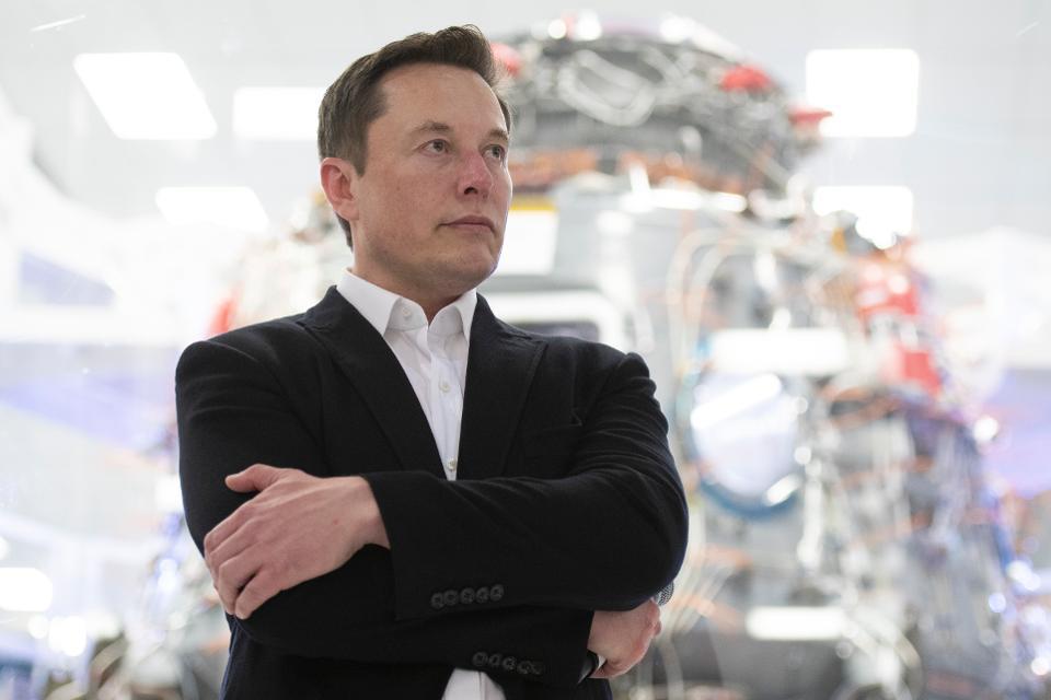Quĩ đầu tư Arab Saudi bán gần hết cổ phiếu Tesla ngay trước đợt tăng sốc 114% - Ảnh 1.