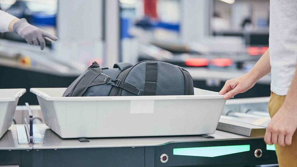Các biện pháp phòng virus corona sau khi rời sân bay - Ảnh 5.