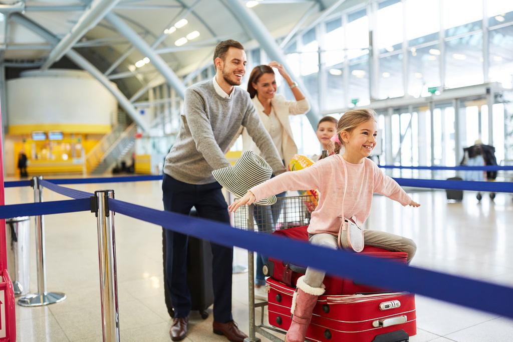 Các biện pháp phòng virus corona sau khi rời sân bay - Ảnh 4.