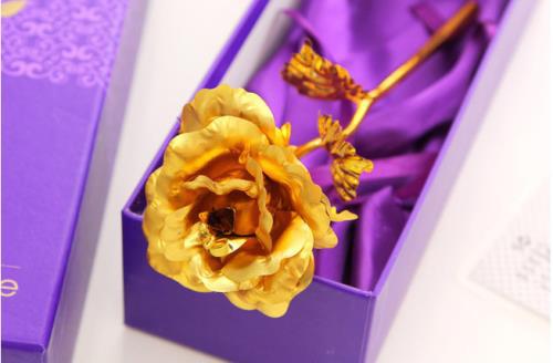 Những quà tặng hoa hồng độc, lạ ngày 8/3 - Ảnh 1.