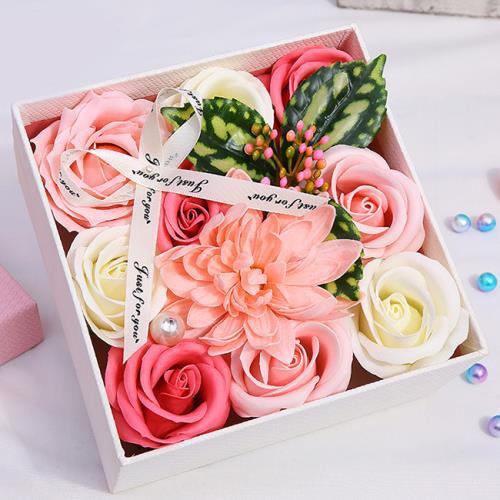 Những quà tặng hoa hồng độc, lạ ngày 8/3 - Ảnh 2.